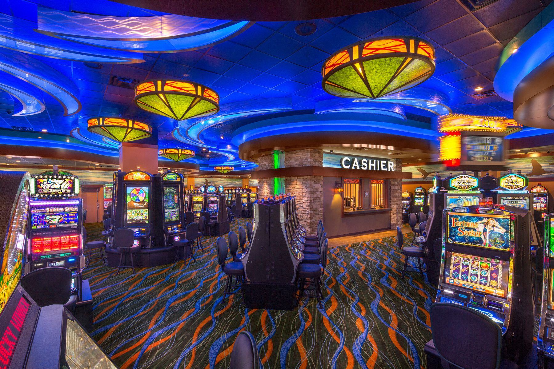 What Is the Basic Overview of the Casino Floor?